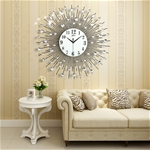 Đồng hồ treo tường mặt trời thương hiệu Bisa tạo nên phong cách hiện đại và đặc biệt ấn tượng