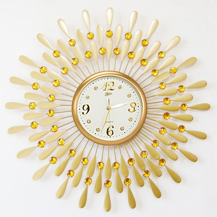 Đồng hồ treo tường hình chiếc lá và giọt sương sẽ là điểm nhấn đặc biệt cho không gian nhà bạn BS8178MK-60