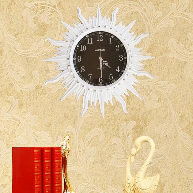 Đồng hồ treo tường thần mặt trời vô cùng sang trọng và ấn tượng QM-6811-TR