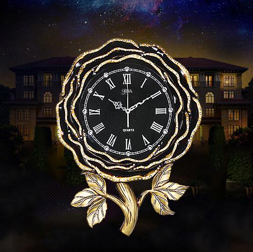 Đồng hồ hình bông hồng vô cùng đẹp và ấn tượng. Cho không gian đặc biệt sang trọng BS1096