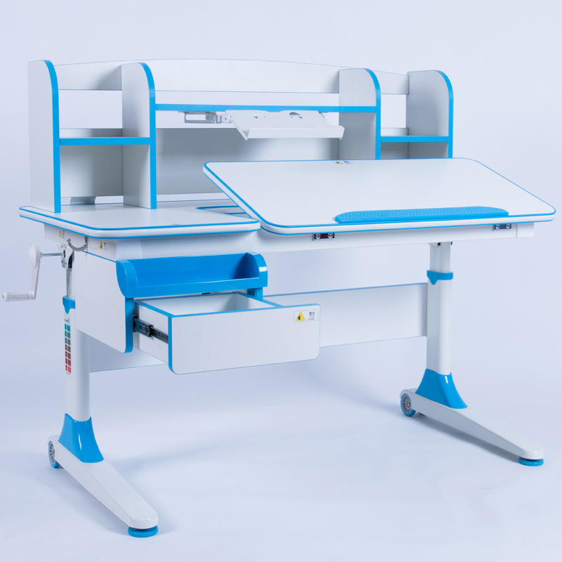 Bàn học trẻ em thiết kế khoa học giúp tập trung việc học tốt hơn Xavier E7 màu xanh