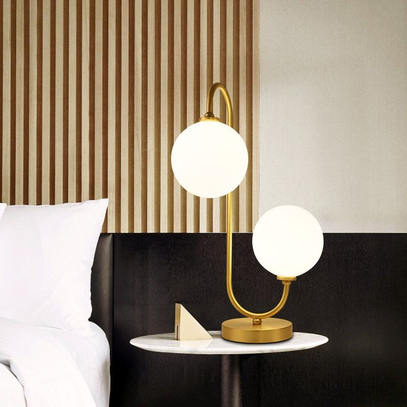 Đèn bàn hiện đại phong cách Bắc Âu ấn tượng L007 mẫu C