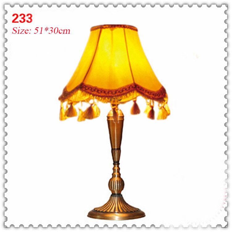 Đèn bàn phòng cách Châu Âu tân cổ điển đầy ấn tượng 233