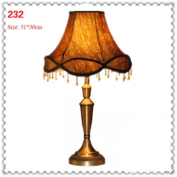 Đèn bàn phòng cách Châu Âu tân cổ điển đầy ấn tượng 232
