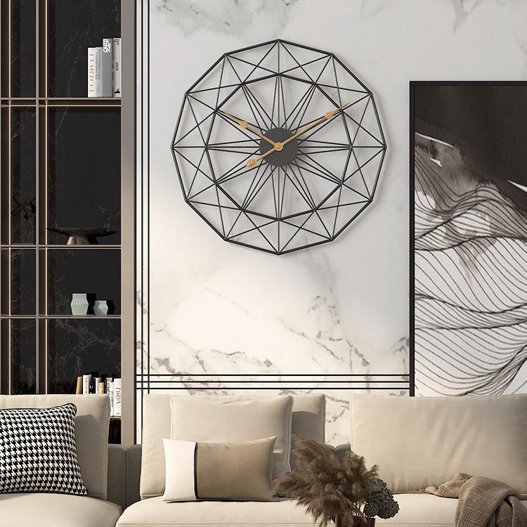 Đồng hồ treo tường nghệ thuật cách điệu cho không gian thêm ấn tượng BS55689-60BL
