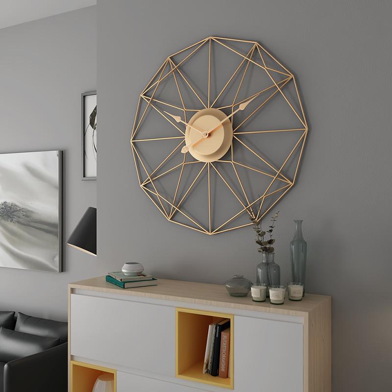 Đồng hồ treo tường nghệ thuật cách điệu cho không gian thêm ấn tượng BS6668829