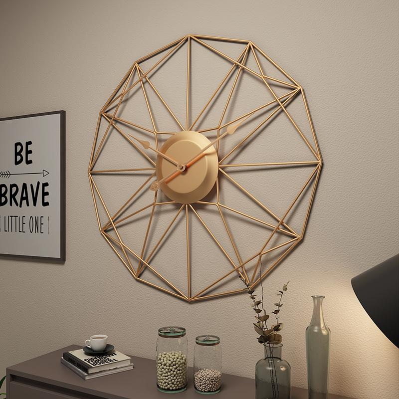 Đồng hồ treo tường nghệ thuật cách điệu cho không gian thêm ấn tượng YX2048 màu vàng