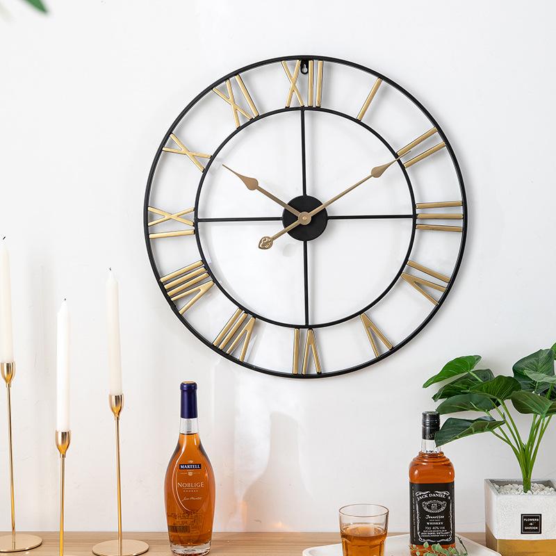 Đồng hồ treo tường trang trí phong cách Bắc Âu ấn tượng A94 màu đen vàng