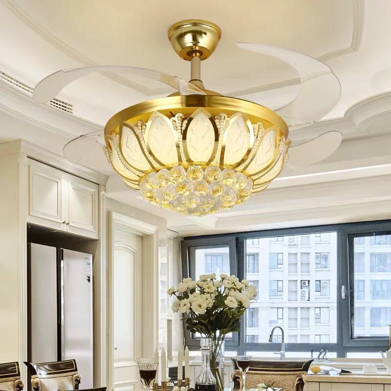 Quạt trần đèn trang trí với cánh quạt thu gọn thông minh vô cùng sang trọng và hiện đại LA867-6-DT