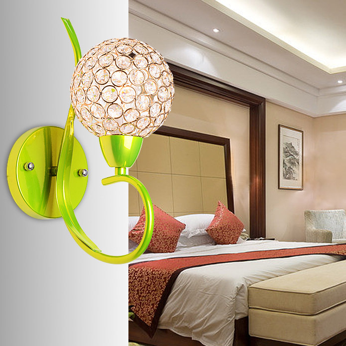 Đèn gắn tường pha lê trang trí đầu giường phòng ngủ - món quà cưới đầy sáng tạo và ý nghĩa K9