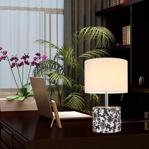 Đèn bàn thiết kế đơn giản sáng tạo, nổi bật nét đẹp không gian hiện đại T1466