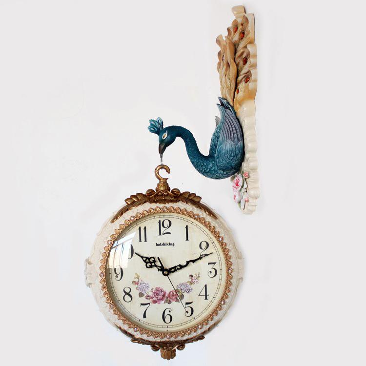 Đồng hồ treo tường hai mặt phong cách Hoàng Gia Anh là sự lựa chọn số 1 cho không gian nhà bạn 8820