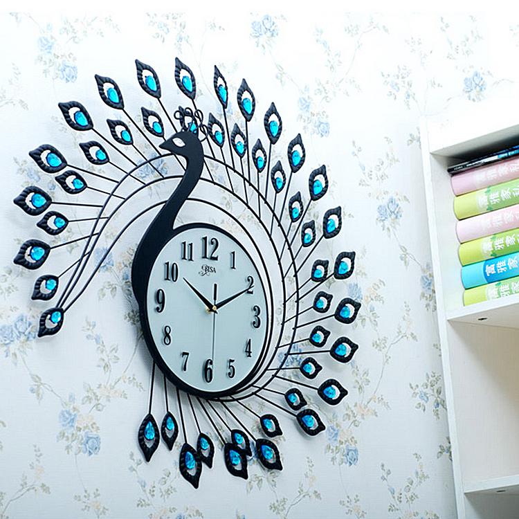 Đồng hồ treo tường thiết kế hình chim công cách điệu vô cùng đẹp và ấn tượng BS60002
