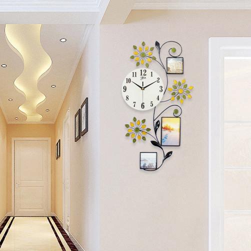 Đồng hồ trang trí họa tiết hoa lá làm nổi bật không gian sống BS1612