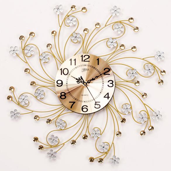 Đồng hồ treo tường hoa pha lê cách điệu cho không gian thêm ấn tượng BS6691-70