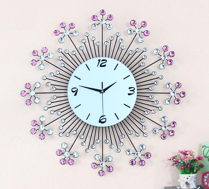 đồng hồ trang trí bằng pha lê hình hoa ảnh 1