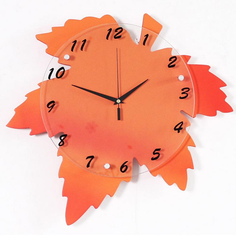 đồng hồ trang trí treo tường hình lá phong