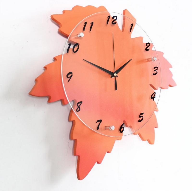 mẫu đồng hồ trang trí treo tường hình lá phong